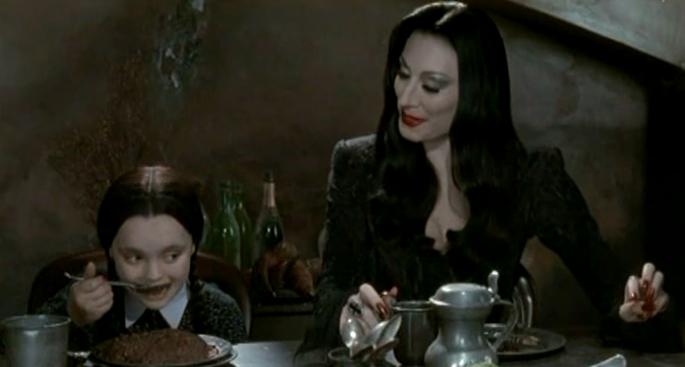 """""""Joue avec ta nourriture Mercredi"""""""